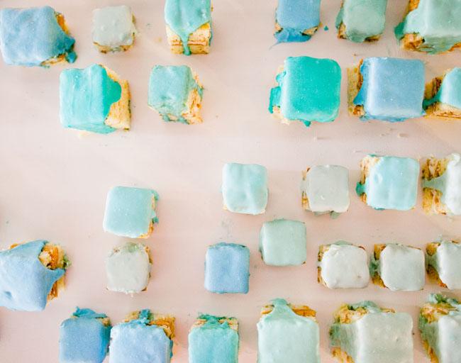 mini teal cakes