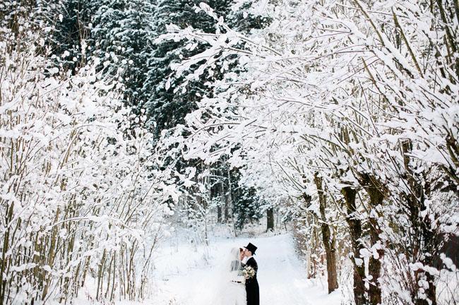 Alice in winter wonderland wedding sabrina hubert green wedding alice in wonderland wedding junglespirit Images
