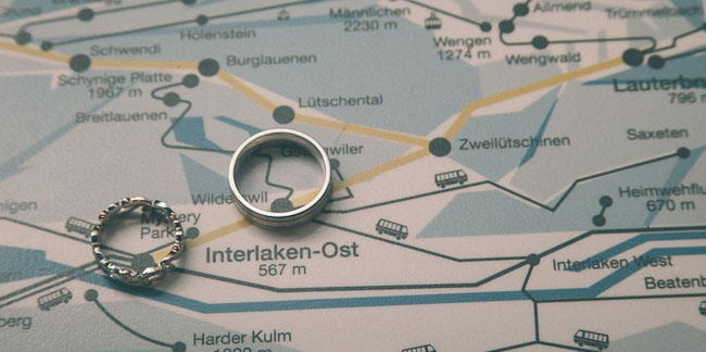 rings on map