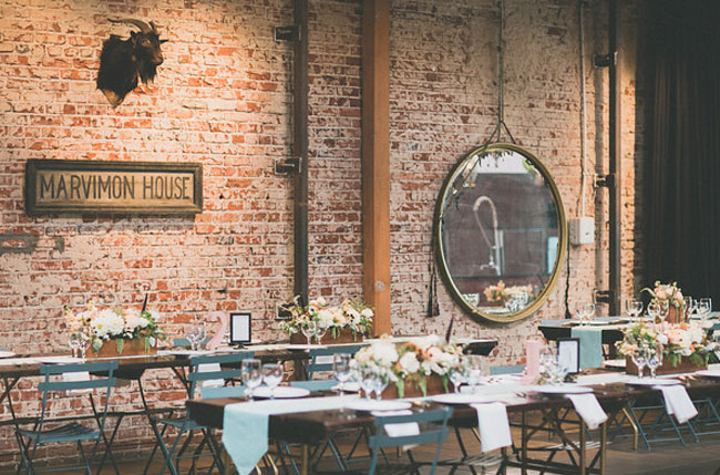 mint table runners