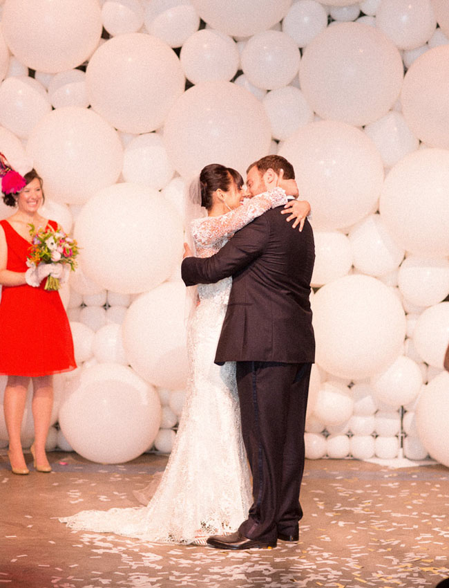 balloon wall ceremony backdrop