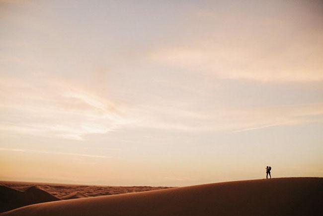 desert-engagement-last-photo