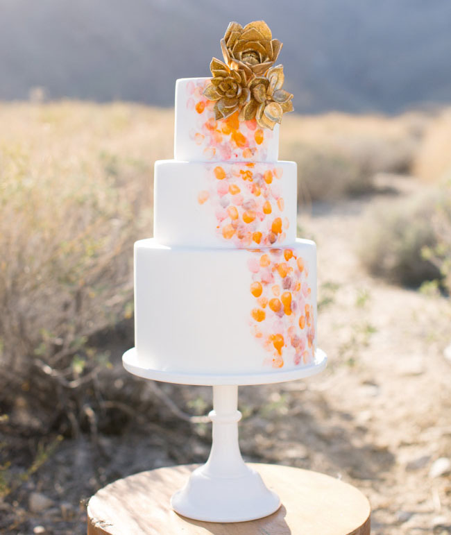 gold flower tiered cake