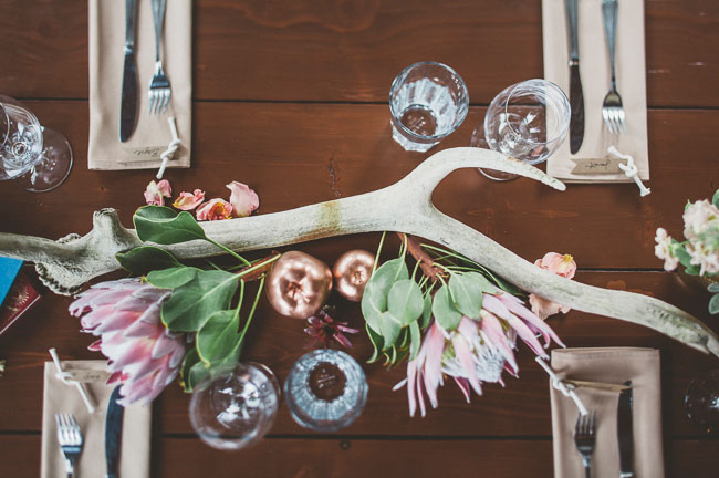 antler table decor