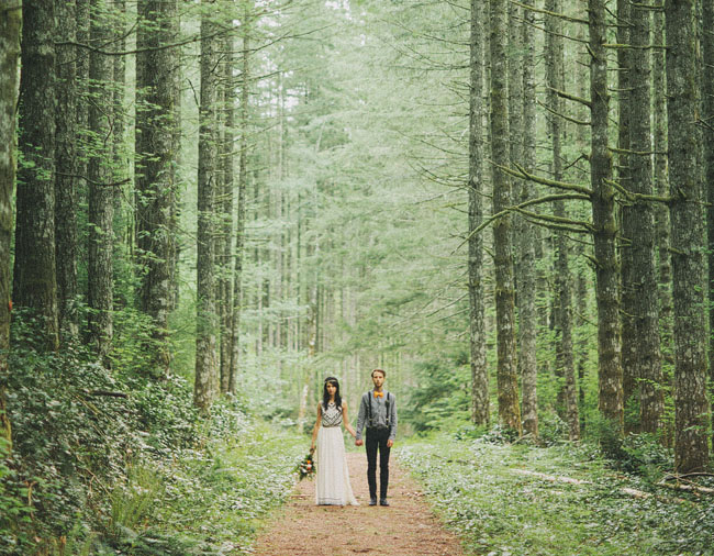 A romantic elopement in the woods laura nick for Outdoor wedding washington state