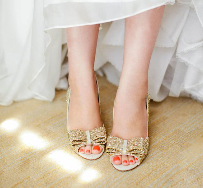 263f904a016d gold glitter bow shoes - Green Wedding Shoes