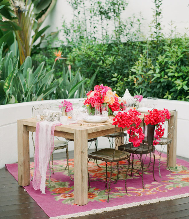 bougainvillea tablescape