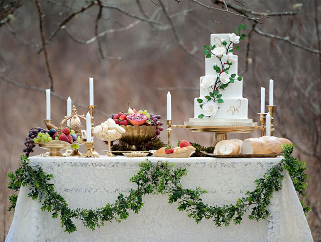 snow white cake table