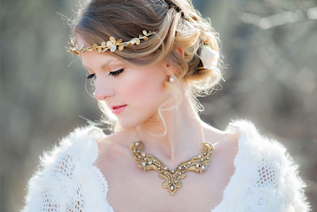 snow white gold crown