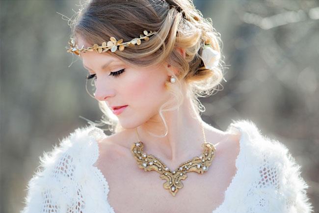 snow white gold crown