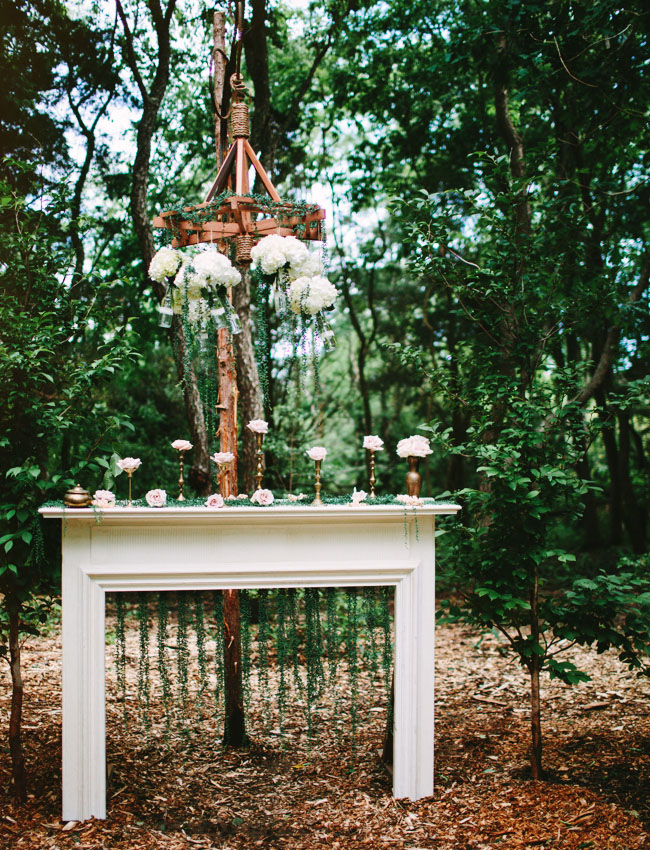 mantle ceremony decor