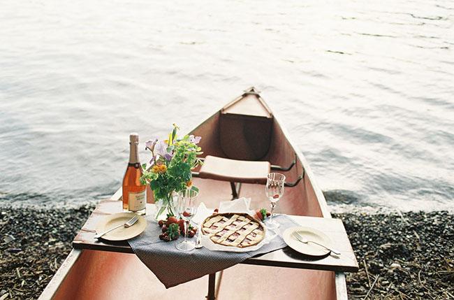 canoe_picnic