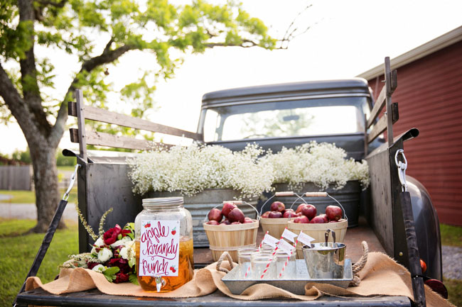 apple cider drink station