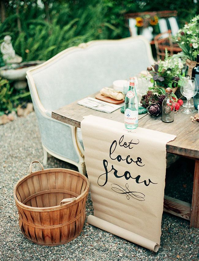 let love grow table decor