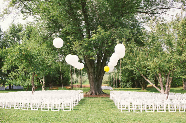 balloon aisle decor