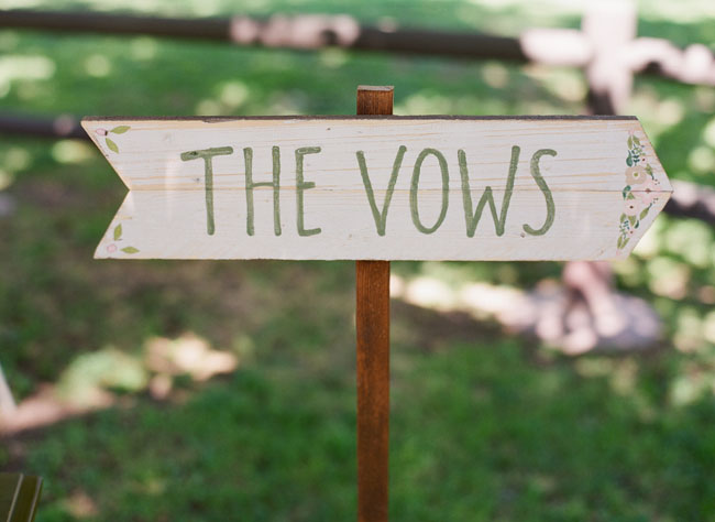 vows sign