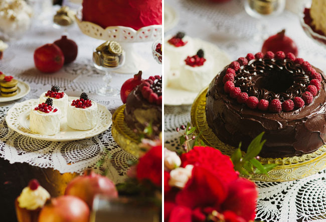 dark red holiday cakes