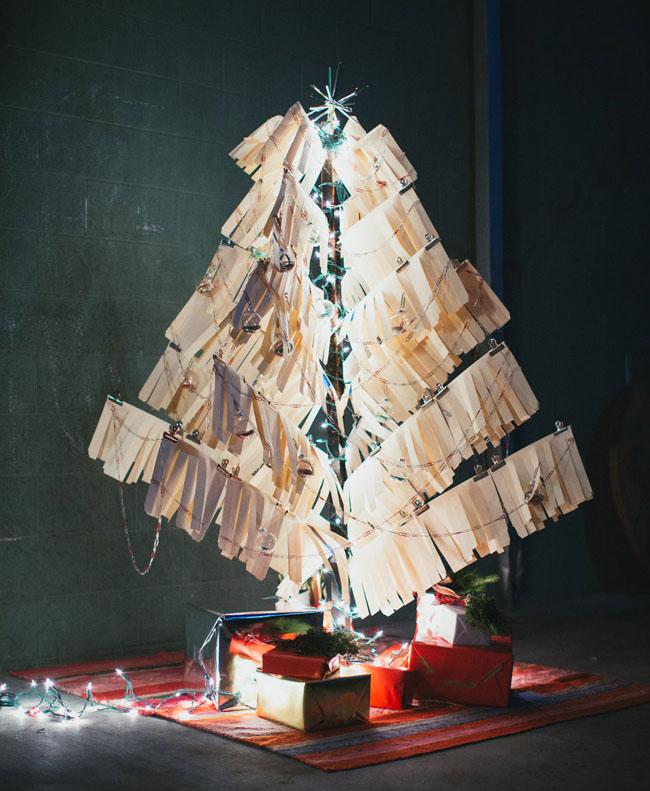 folder christmas tree