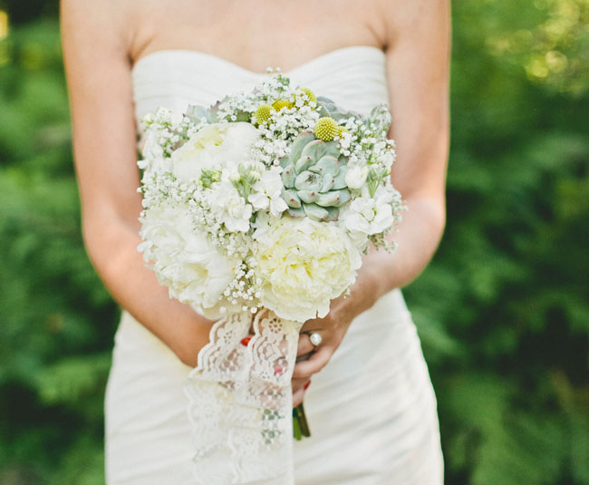 white earthy bouquet