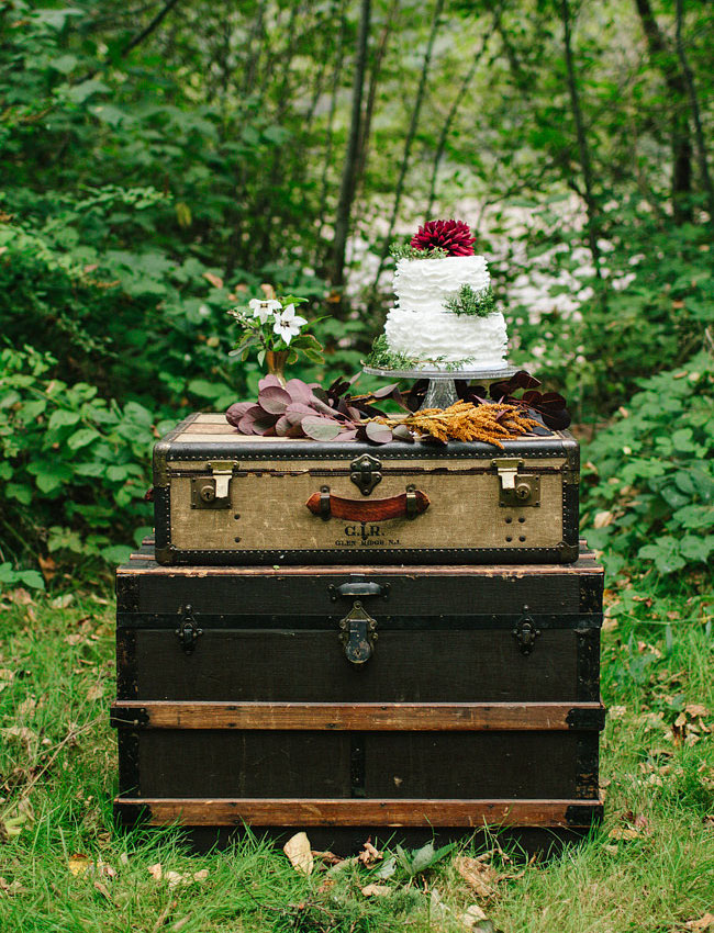 trunk case dessert table