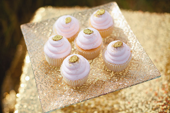 gold and pink cupcakes