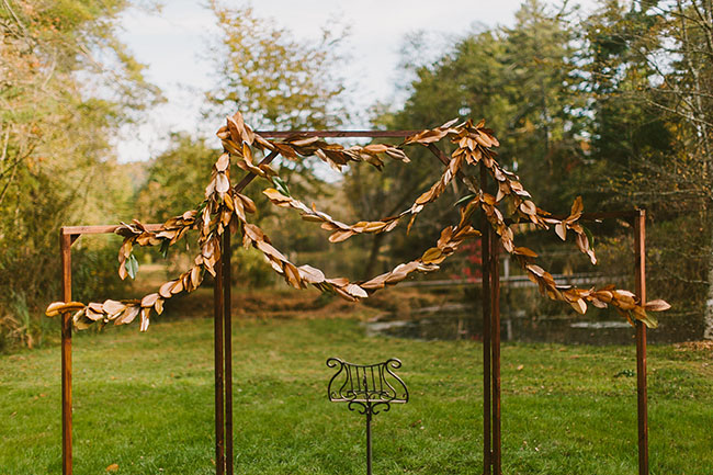 leaf garland ceremony decor
