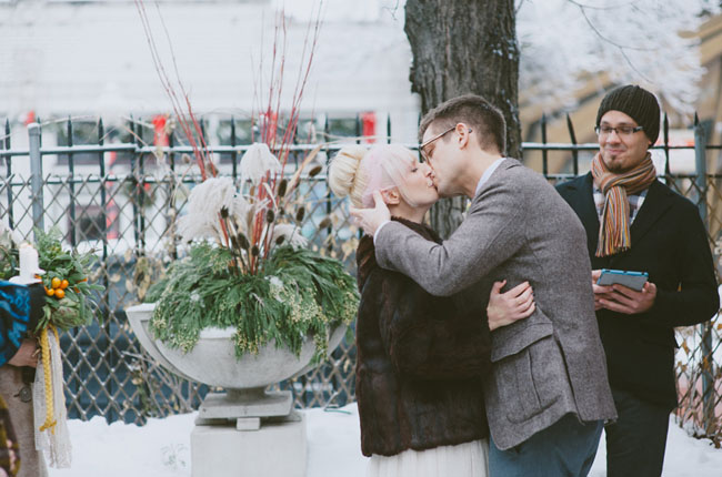 intimate winter ceremony