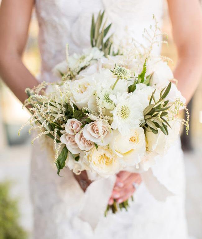 classic white bouquet1