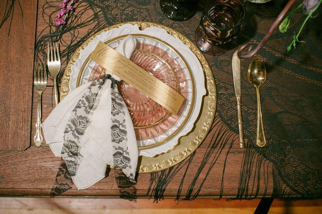 patterned napkin setting