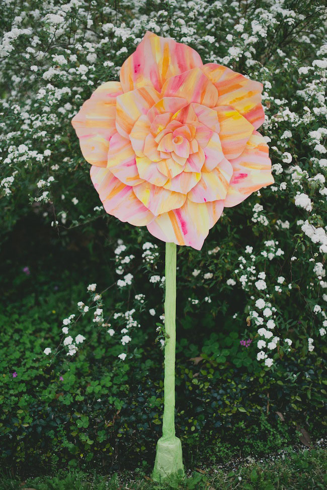 Diy giant standing paper flower diy giant standing paper flower mightylinksfo