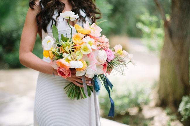 loose poppy bouquet
