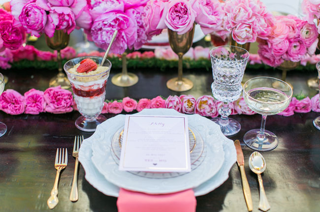 gold and pink tablescape
