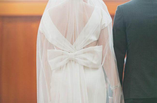 bow and veil