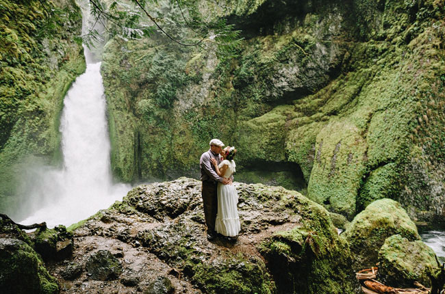 Beautiful wahclella falls elopement holly aaron green for Places to get married
