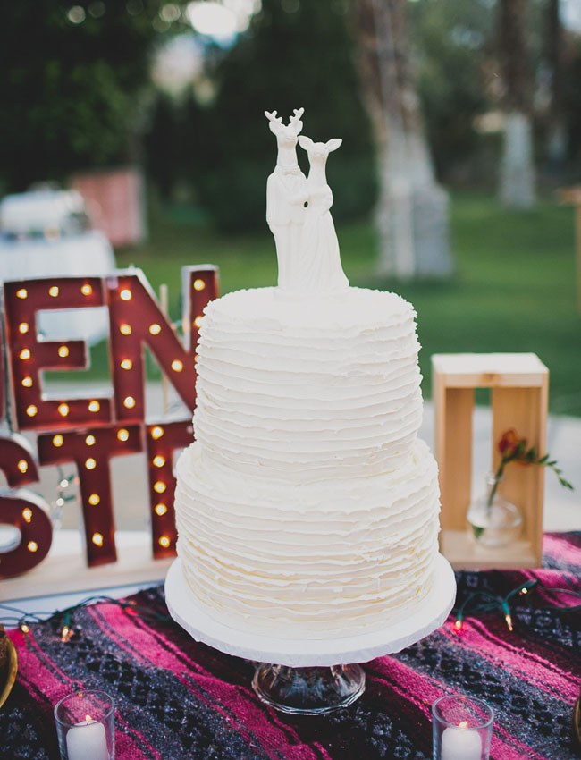 fauna cake topper ruffle cake