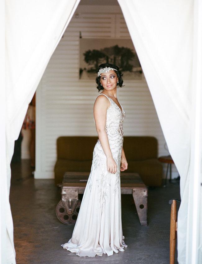 20s inspired bride