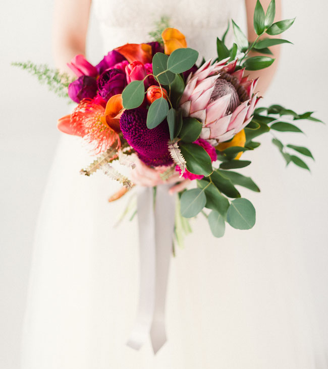 modern tropical bouquet