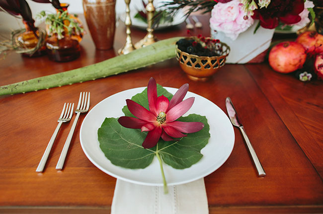 leaf and floral plate setting