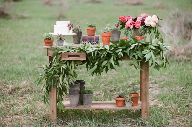 mountain bridal cake table