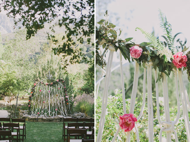 rope and garland ceremony decor