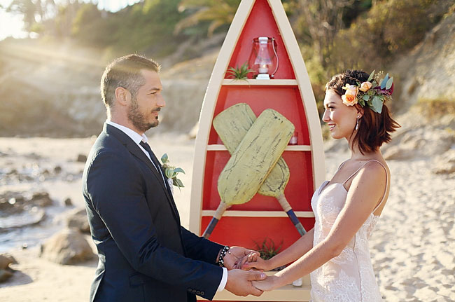 red boat ceremony decor