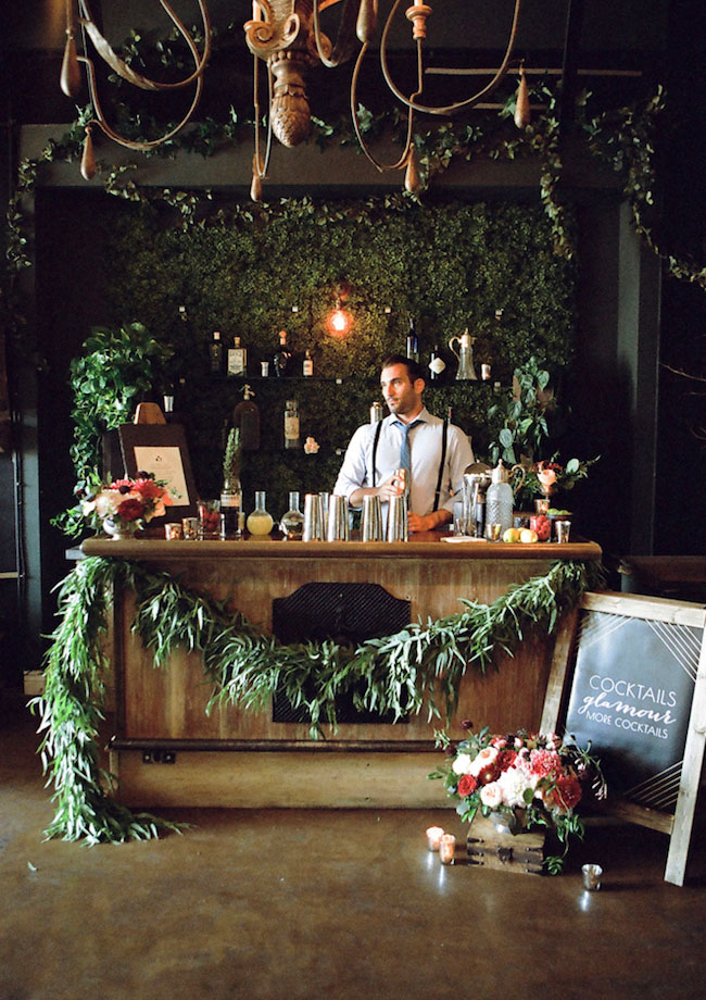 green garland bar set up