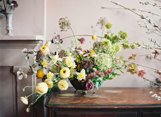loose yellow centerpiece