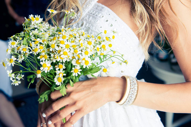mini daisy bouquet