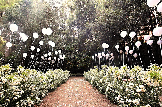 balloon aisle wedding