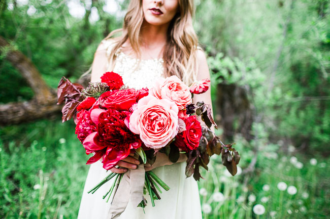 pink and red garden rose bouquet