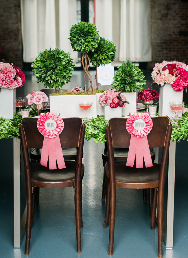 show ribbon chair decor