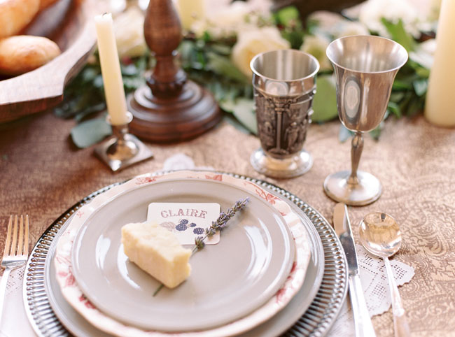 lavender plate setting
