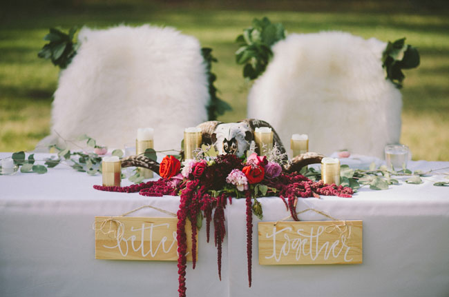 red amaranthus table decor