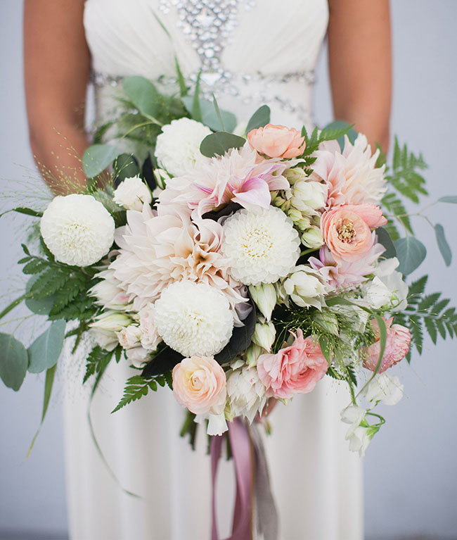 romantic modern bouquet